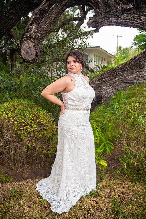 outdoor bridal photo shoot the bryan house
