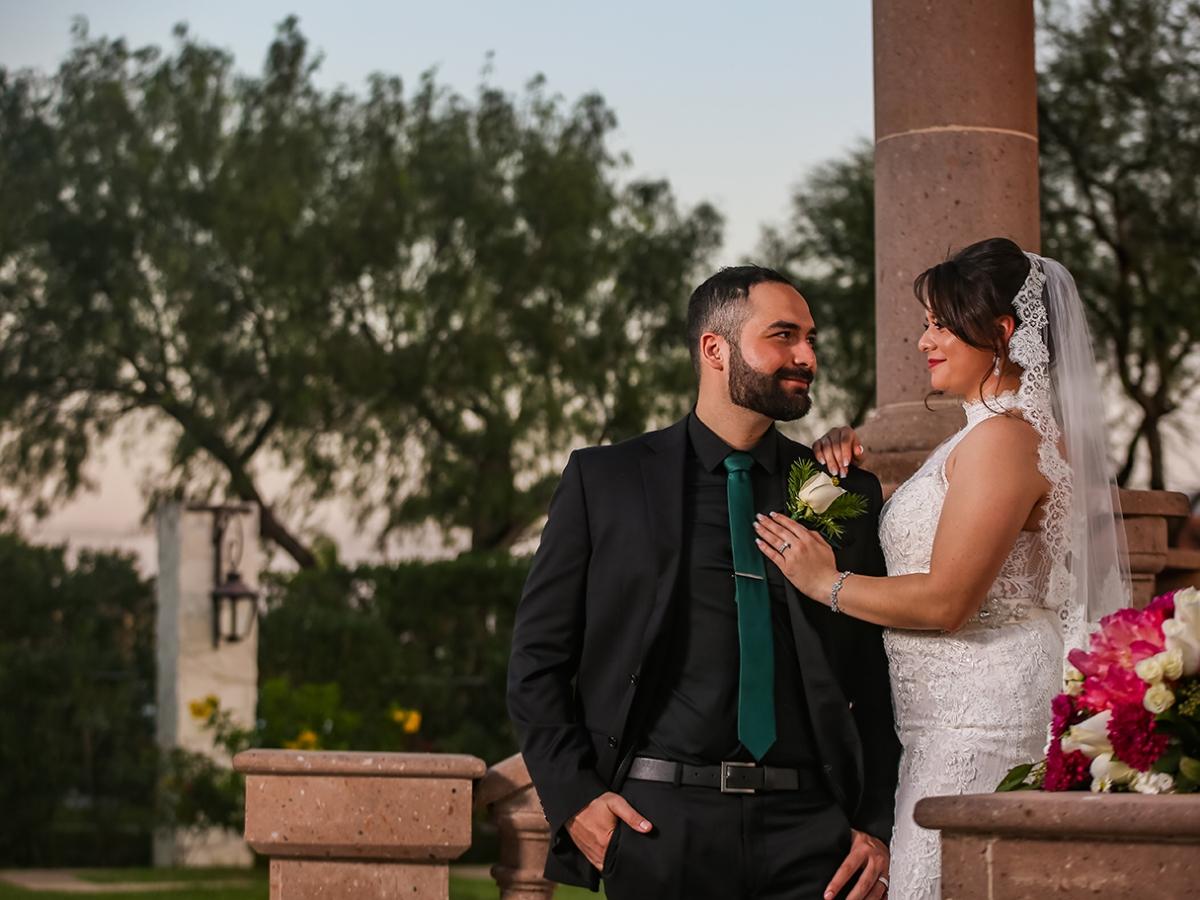 Real del Valle Event Center bride groom photos