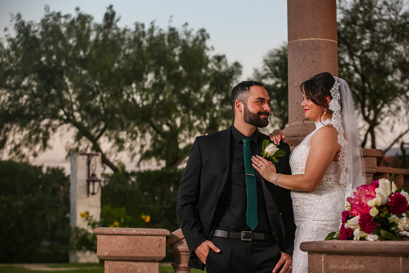 Real del Valle Event Center bride groom photos